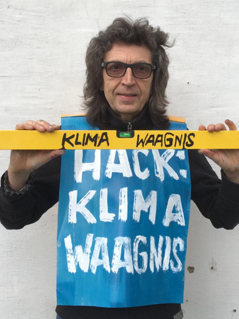 KLIMA-WAAGNIS, Hack-Intervention auf dem Österreichischen Klimatag in Salzburg am 24. April